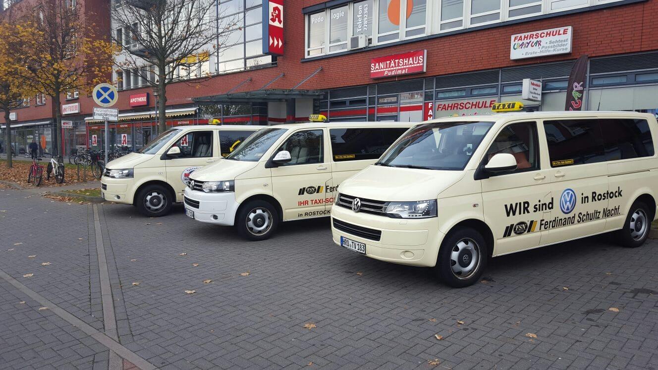 Taxi Rostock alle 3 Taxen am Stand 16 Bild 1