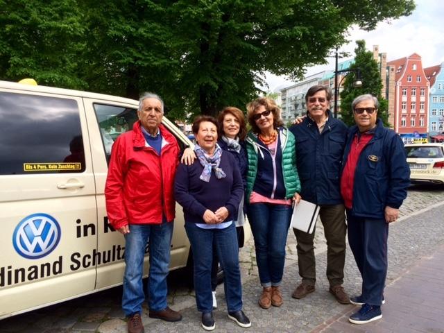Taxi Rostock Stadtrundfahrt mit Italienern