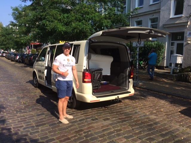 Taxi Rostock als Sofa Transporter
