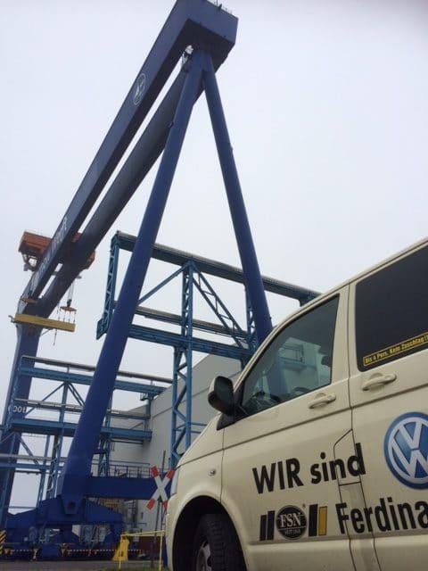 Taxi Rostock in der Warnow Werft Rostock Bild 1