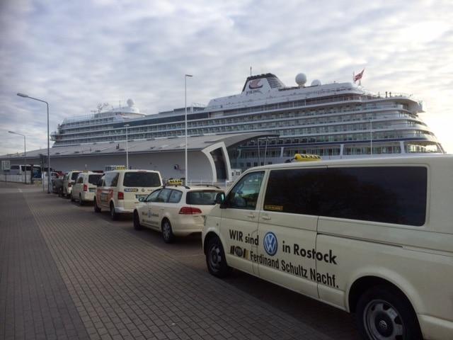 Taxi Rostock - Beginn der Kreuzfahrtsaison