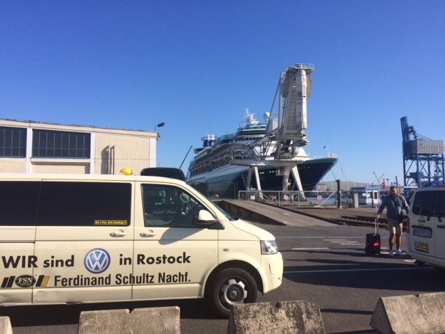 Taxi Rostock - Monach im Überseehafen