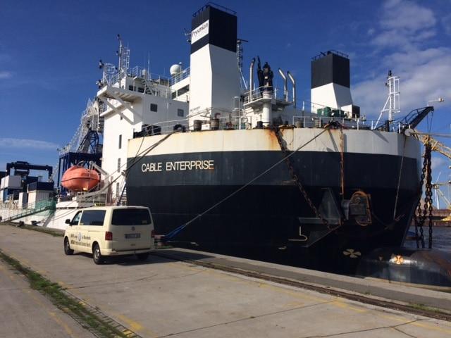 Taxi Rostock - Cable Enterprise im Überseehafen Bild 3