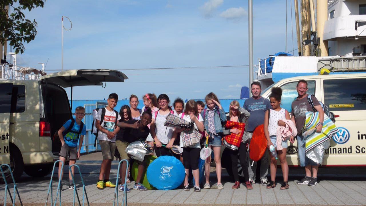 Taxi Rostock - Kinder von der Likedeeler