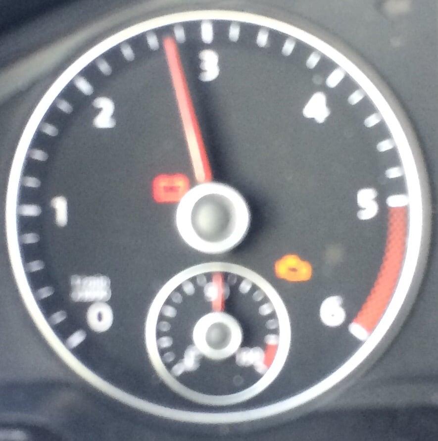 Motorkontrollleuchte im Tacho