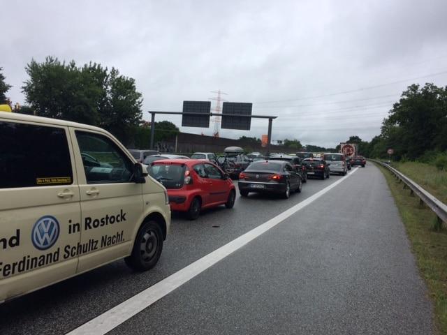 Taxi Rostock – Megastau bei Hamburg